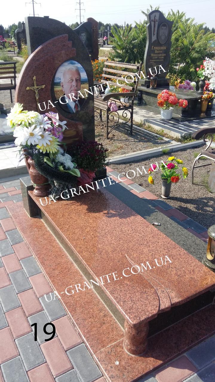 Комбинированный памятник на кладбище из гранита
