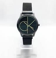 Женские наручные часы в стиле Саlvin Кlein (Кельвин Кляйн), черные с золотом