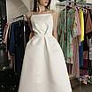 Вечернее свадебное минималистичное атласное миди платье с открытой спиной айвори белое, фото 8
