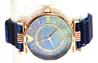 Часы на браслете 235025