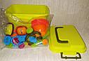 Конструктор игольчатый бристл Веселые человечки 60 деталей Bristle Blocks в чемодане, фото 4