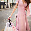 Элегантное платье миди на пуговицах с декольте трикотажное юбка солнце нарядное розовое пудровое белое, фото 2
