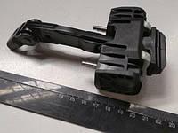 Ограничитель открывания двери ВАЗ 1118/2190, АвтоВАЗ (2192-6206082) задний