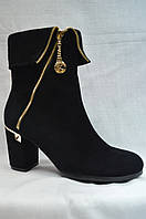 Черные замшевые  ботинки MALROSTTI с молнией и с металлической  вставкой на каблуке  , фото 1