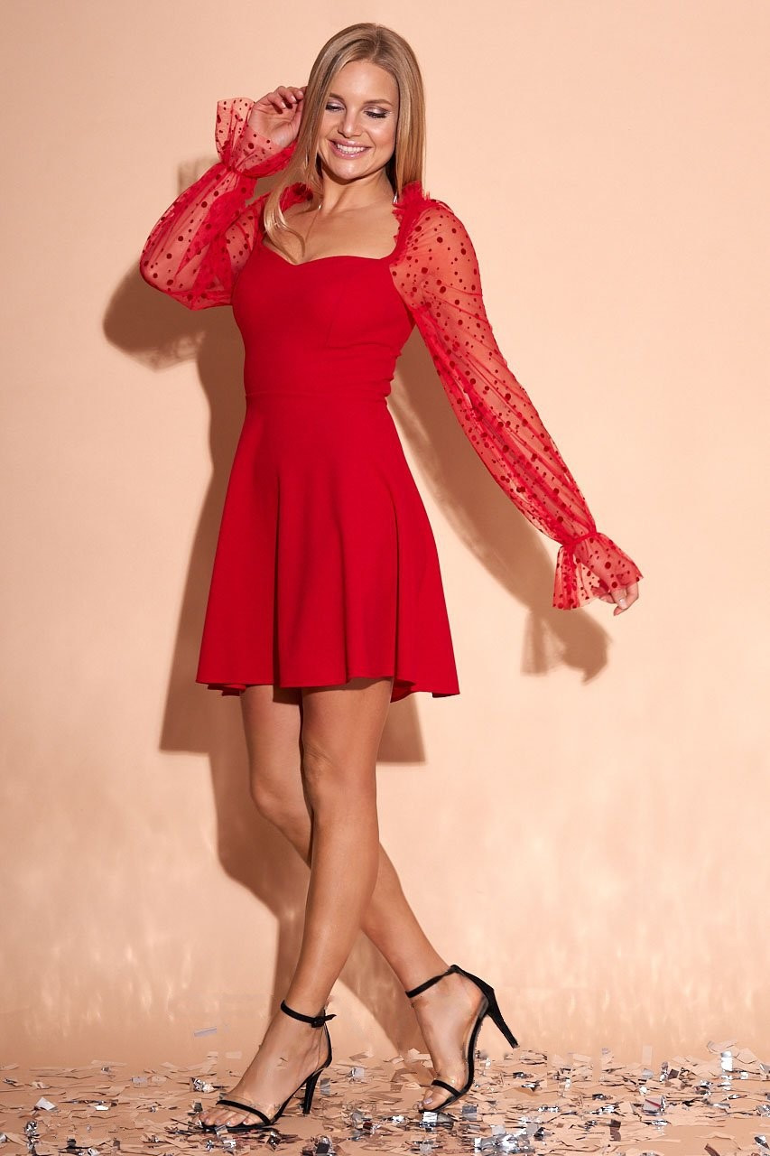 Эффектное нарядное платье Лера с рукавами из сетки в горох