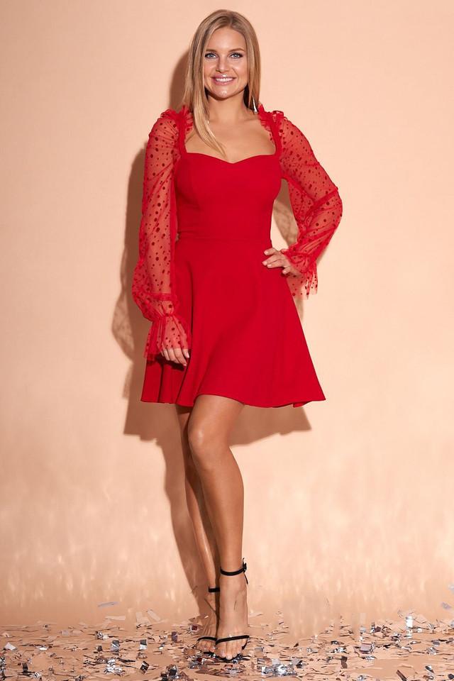 Фото Эффектного нарядного платья Лера