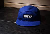 Современная кепка пятиклинка Nike