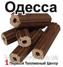 Топливные брикеты Пини Кей, Pini Kay в термоупаковках из смешанных пород дерева.