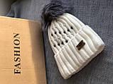 Белая шапка перламутр на флисовой подкладке теплая с помпоном, фото 2