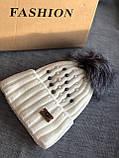Белая шапка перламутр на флисовой подкладке теплая с помпоном, фото 3