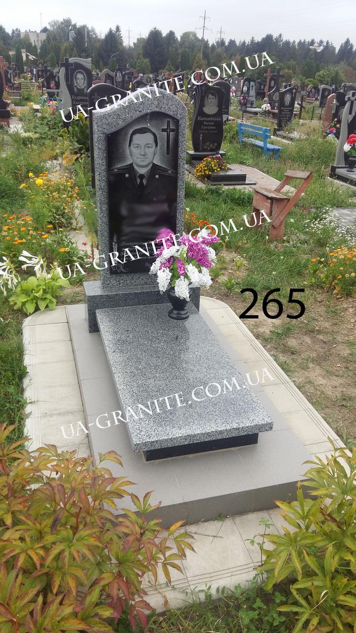 Комплекс пам'ятник із сірого граніту квітник закритий