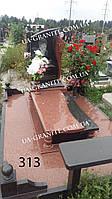 Памятники на могилу із закритим квітником із червоного граніту