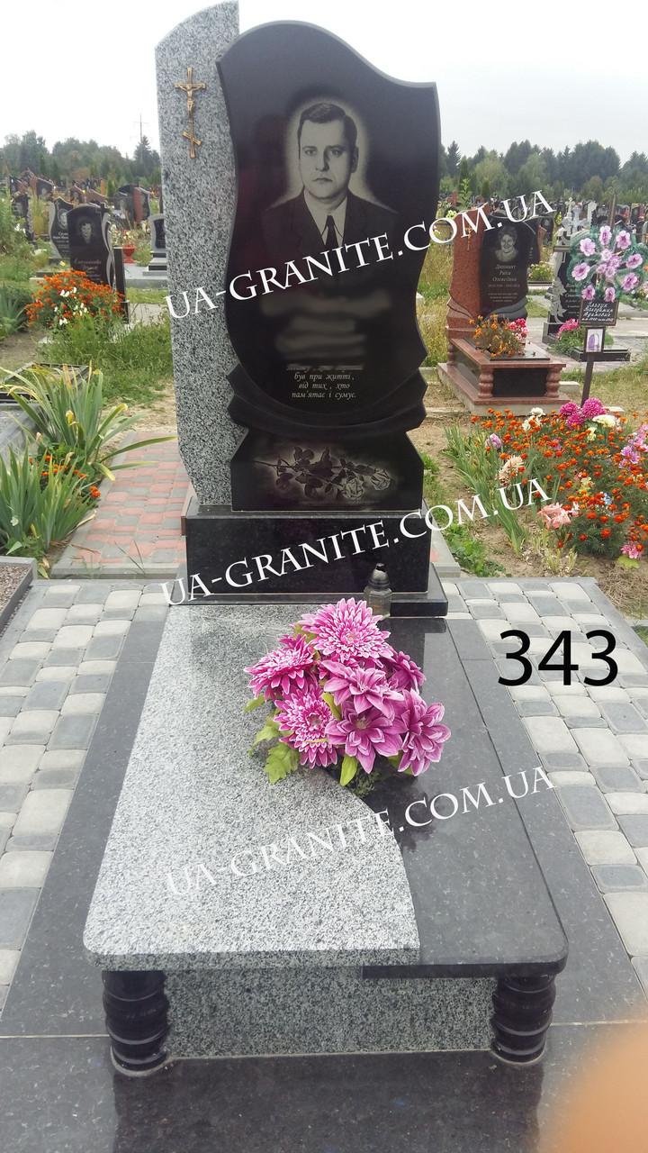 Пам'ятник фото на могилу із квітником каталог