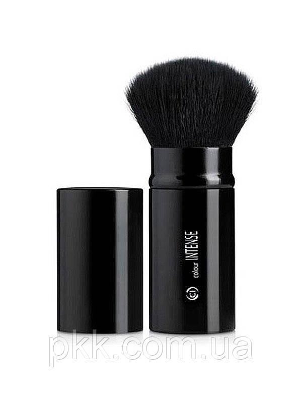 Кисть для макияжа COLOUR INTENSE длярастушевки румян и для нанесения пудры011