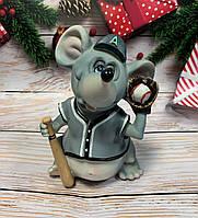 Скарбничка, статуетка Мишка Бейсболіст. Символ 2020 року
