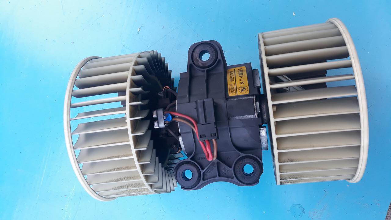 Мотор моторчик вентилятор печки отопителя бмв е39 е53 BMW E39 E53 64118385558 0765017212 641183855589