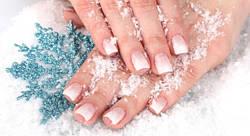 Особенности зимнего ухода: секреты здоровья кожи и ногтей