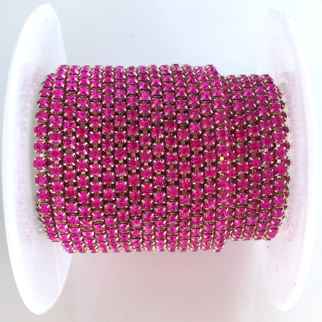 Стразовая цепь ss6 (2 мм). Фуксия. Оправа - Розовое золото