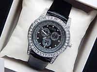 Женские кварцевые наручные часы Guess на кожаном ремешке, фото 1
