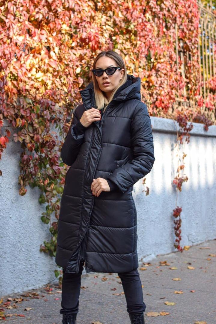 Куртка-пальто зимнее женское теплое с капюшоном на молнии однотонное