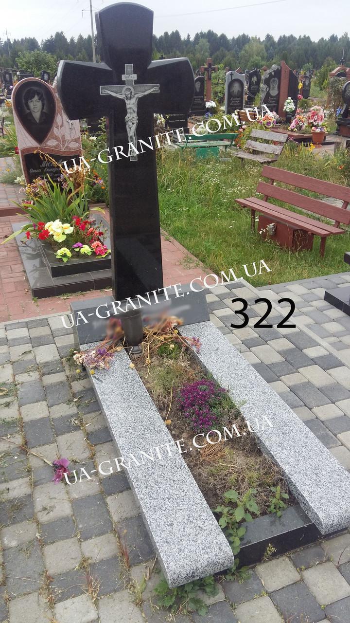 Памятники з хрестом із чорного граніту