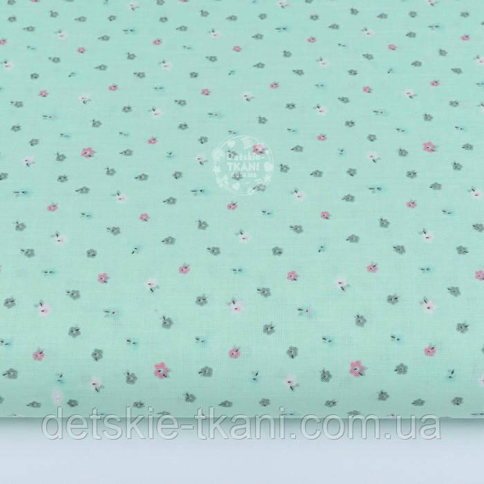 """Лоскут ткани """"Одиночные микро цветки"""" на мятном № 2102а, размер 44*80 см"""