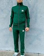 Спортивный мужской костюм зеленого цвета