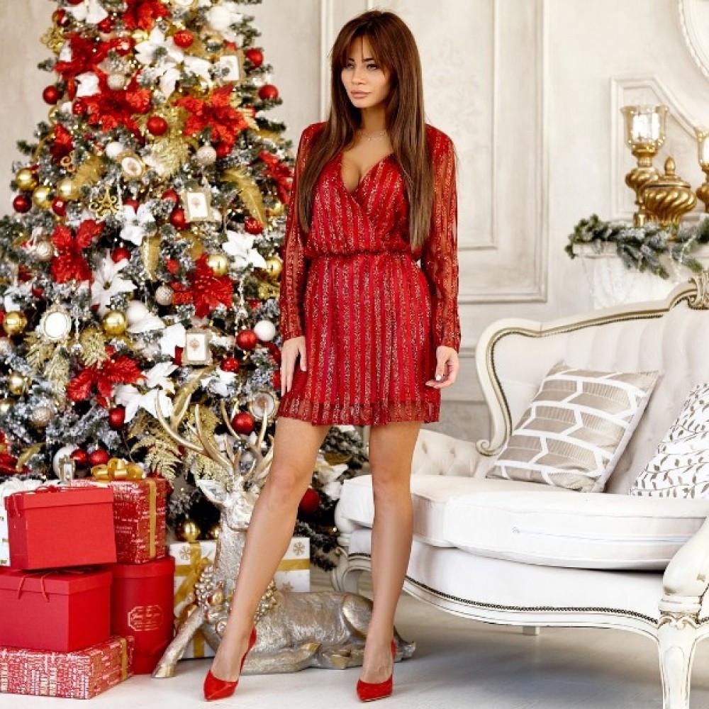 Женское яркое платье с напылением люрекс красное