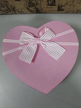 Подарочная коробочка в форме сердца розовая крышка с бантом 21.5 см