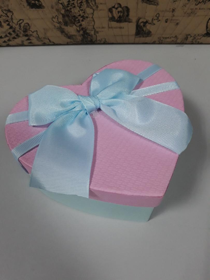Подарочная коробочка в форме сердца голубая с розовой крышкой 15.5 см