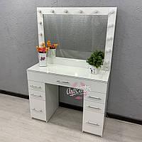 Компактный туалетный столик с зеркалом в спальню, центральный ящик с ячейками