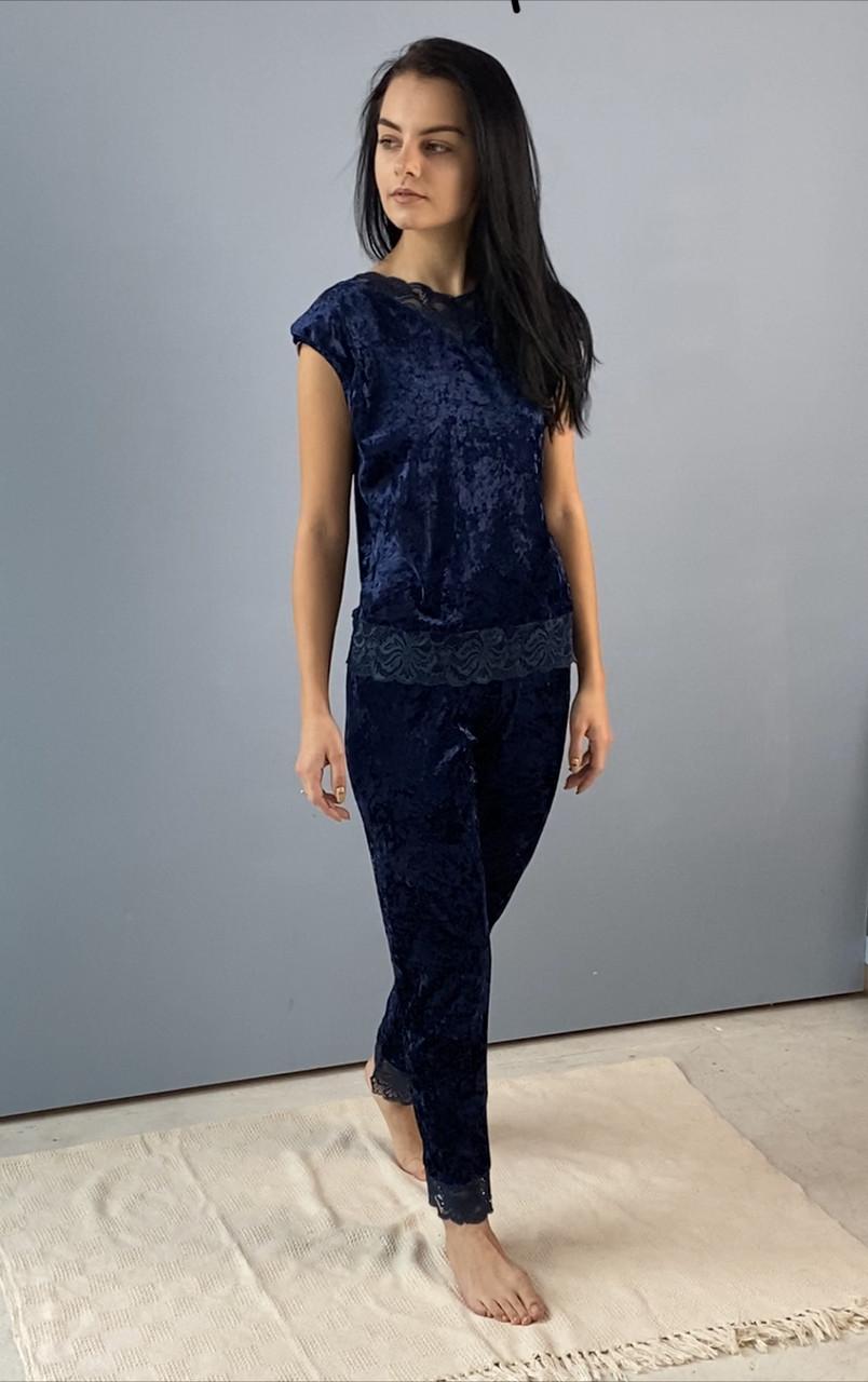 Синий велюровый комплект: штаны и майка