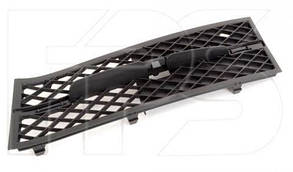 Левая решетка в бампере БМВ 5 F10 10-13 черн. без накладки / BMW 5 F10 (2010-2017)