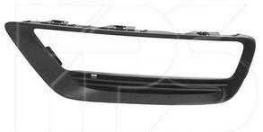 Левая решетка в бампере Хонда Аккорд 9 с отв. п/тум. / HONDA ACCORD 9 (2012-)