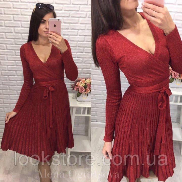 Женское нарядное платье с люрексом плиссированное красное