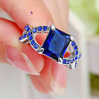 Роскошное кольцо перстень с синим камнем