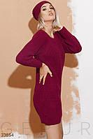 Короткое вязаное платье свободного кроя бордовое