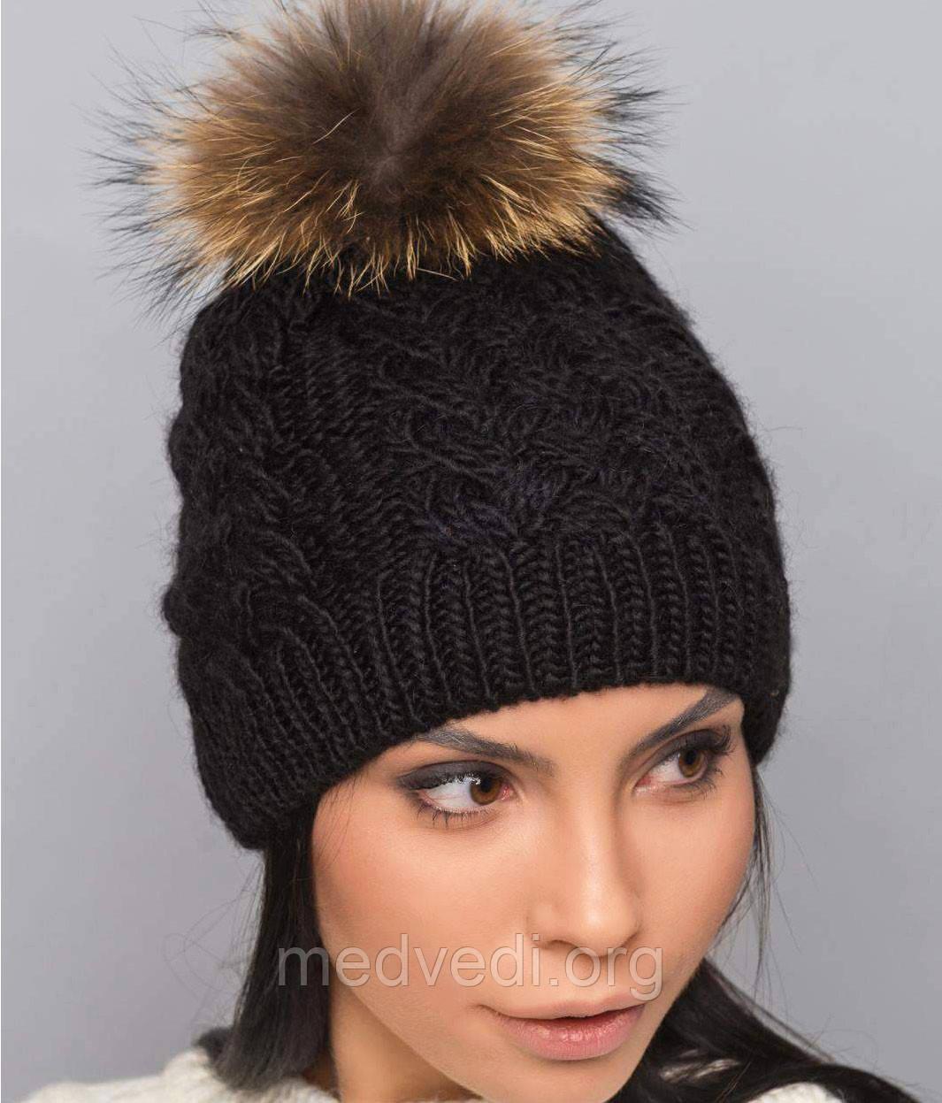 Вязаная женская черная шапка с меховым помпоном