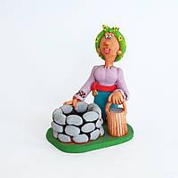 Глиняная статуэтка. Украинка возле колодца. Шкатулка для мелочи