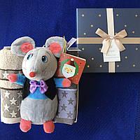 Подарочный набор с 2 полотенцами и Мышкой
