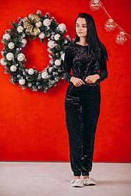 Черный велюровый костюм: брюки и свитер