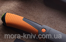Нож общего назначения Fiskars для тяжелых работ с точилкой (1023619), фото 2