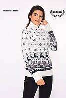 Теплый шерстяной женский свитер с оленями  (вязка)