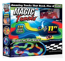 Гоночный трек Magic Tracks Мэджик Трек- 220 деталей с гоночной машинкой