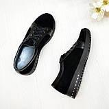 Женские замшевые кроссовки черного цвета, декорированы кожаными вставками, фото 2
