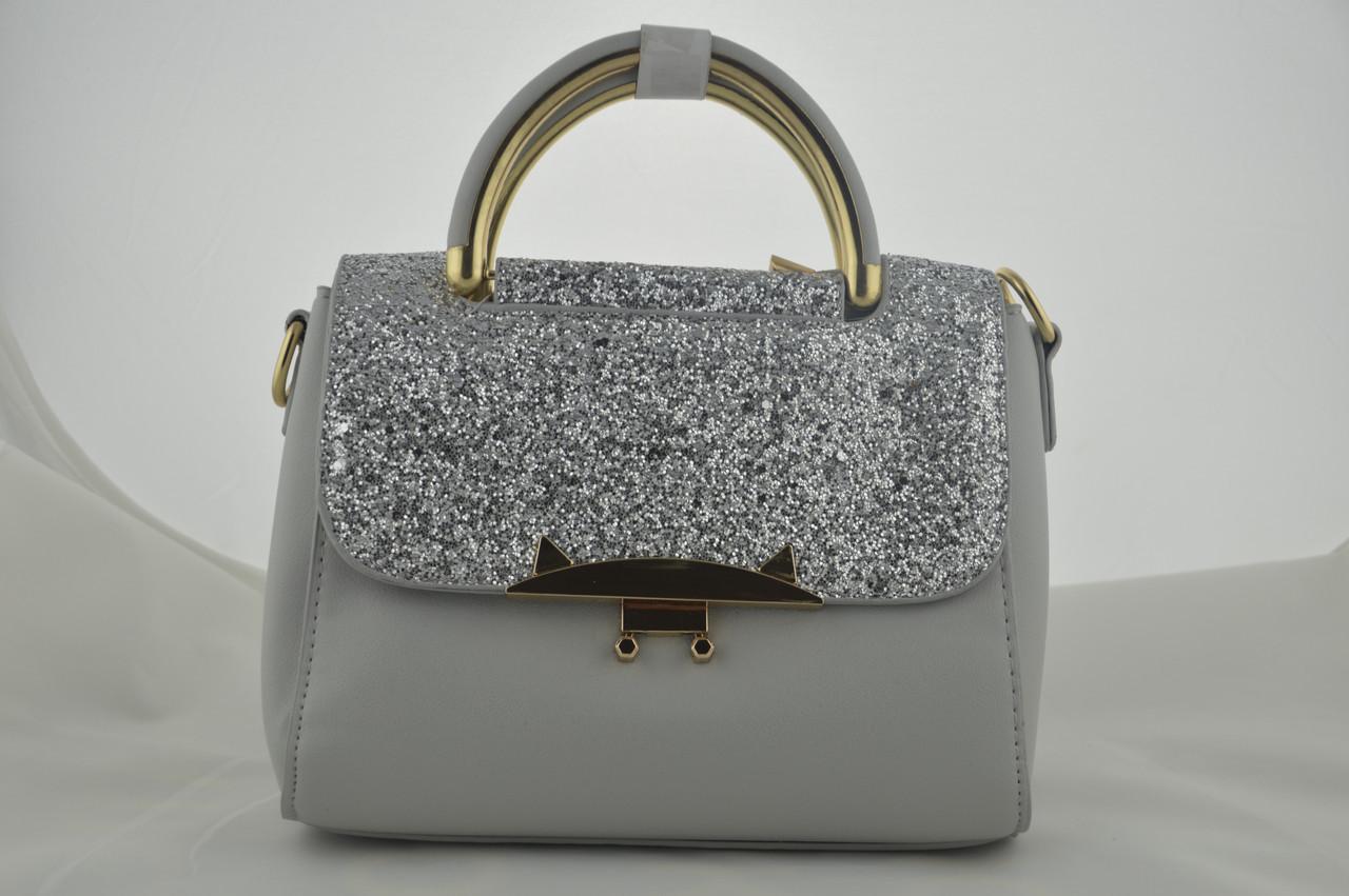 Блестящая серая маленькая сумочка женская