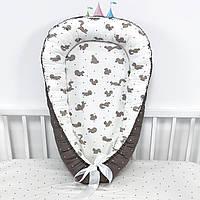 Кокон-позиционер для сна новорожденных с белочками в бежево-коричневых тонах