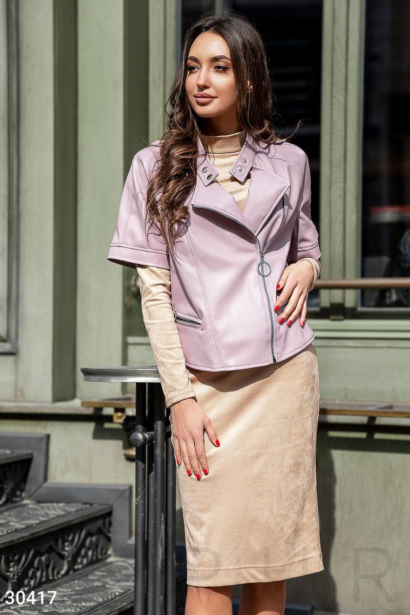 Куртка-косуха из эко-кожи с коротким рукавом лиловая