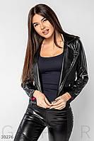 Короткая куртка-косуха из эко-кожи