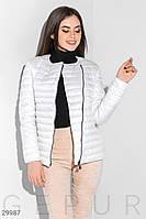 Короткая демисезонная куртка стеганая белая